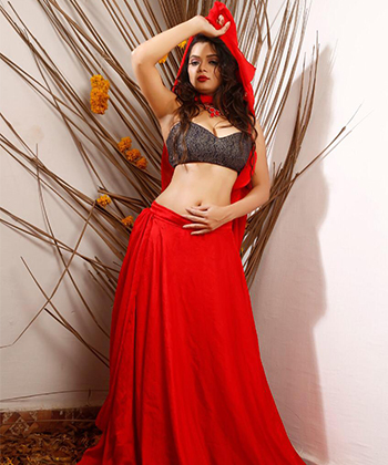 Female escorts in Connaught Place